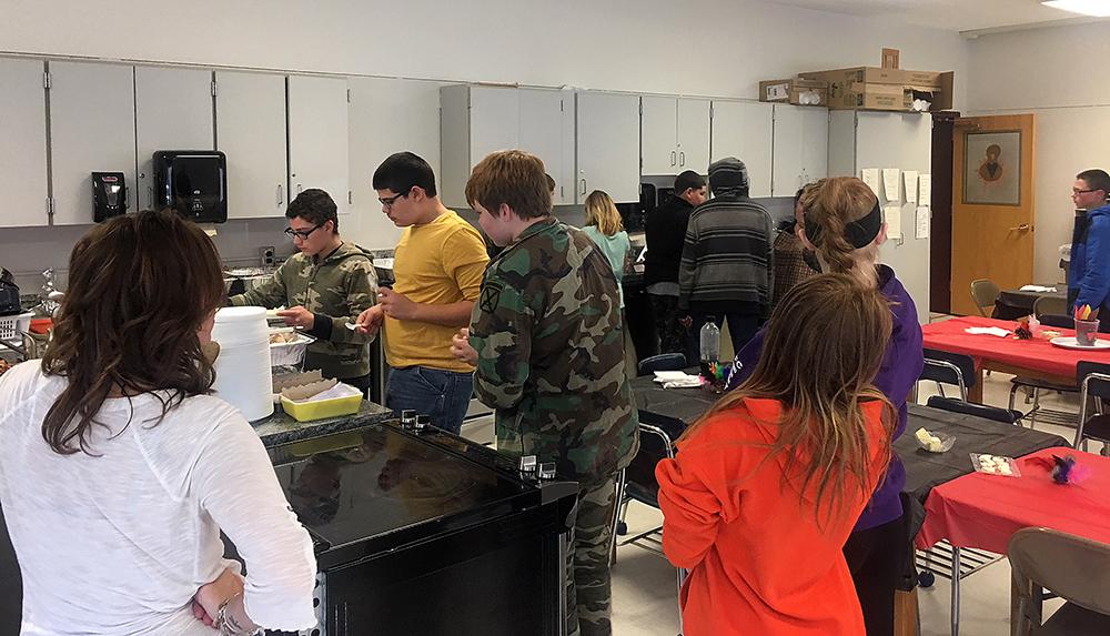 12:1 class Thanksgiving dinner 2017
