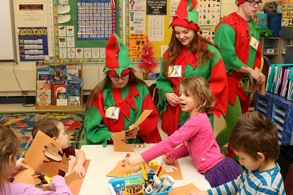 Sidney elves visit kindergarten classes