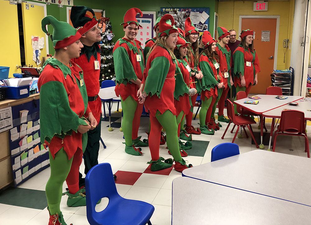 Sidney elves at the Discovery Center
