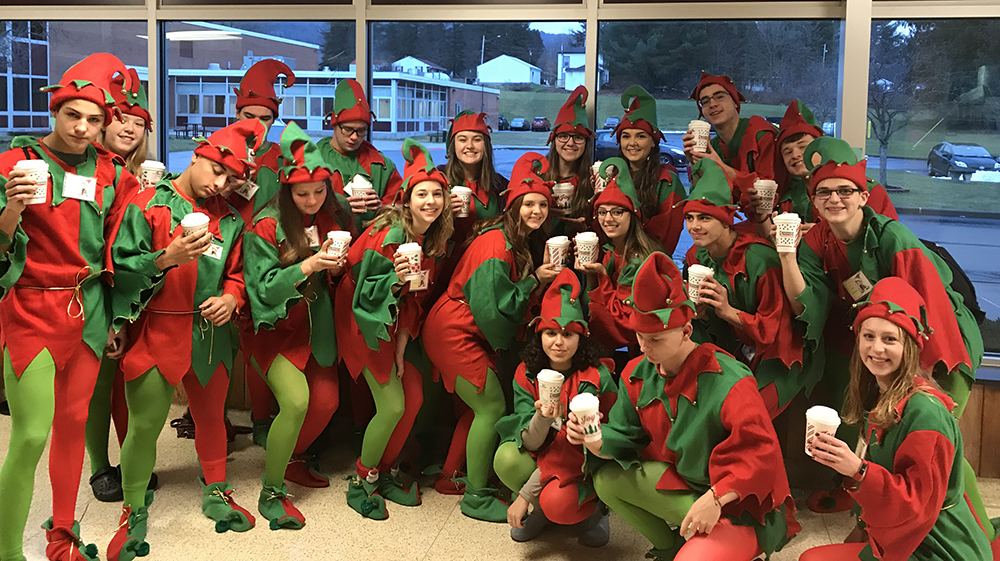Sidney's elves prepare for a busy day!