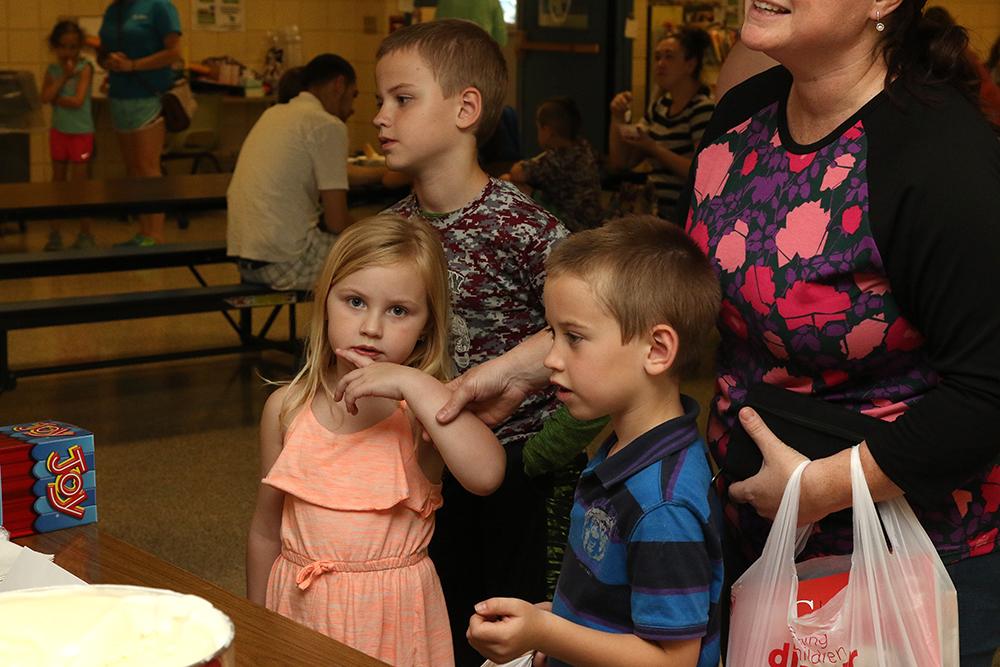 Children waiting for ice cream