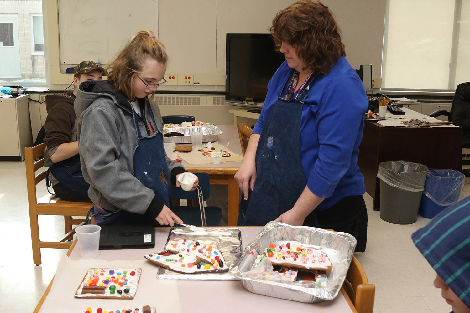 STEM elective class: gingerbread houses December 2018