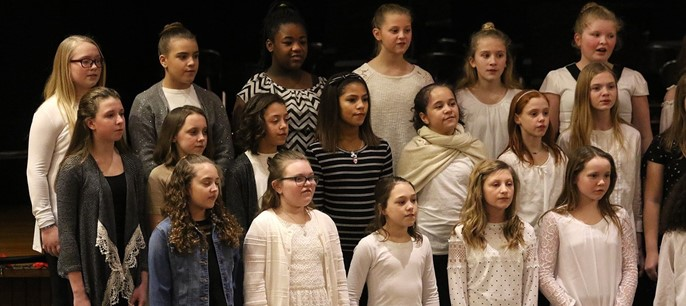 Middle school students in chorus